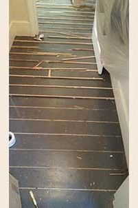 Pine slivers have been fitted between the gaps in these original pine boards. Wooden Flooring, Hardwood Floors, Wood Floor Restoration, Stairs Cladding, Pine Boards, Home Decor, Wood Flooring, Wood Floor Tiles, Decoration Home