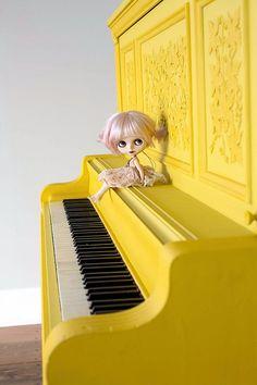 I painted a piano this week. by Mab Graves © Mab Graves Mellow Yellow, Black N Yellow, Color Yellow, Painted Pianos, Yellow Fever, Piano Man, Yellow Brick Road, Piano Keys, Colour Board