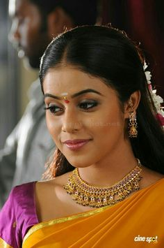 - Photograph of Shamna Kasim (Poorna)  IMAGES, GIF, ANIMATED GIF, WALLPAPER, STICKER FOR WHATSAPP & FACEBOOK
