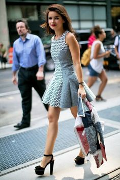 Miroslava Duma looked sweet in a fit-and-flare dress and platforms. New York Fashion Week, Fall Winter street style Yaay Miroslava, I love her! Ny Fashion Week, New York Fashion, Look Fashion, Fashion Weeks, Milan Fashion, Fashion Photo, Fashion Outfits, Fit And Flare, New Yorker Mode