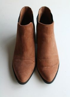 À vendre sur #vintedfrance ! http://www.vinted.fr/chaussures-femmes/bottines/55686082-bottines-beiges-camel-hm-t39