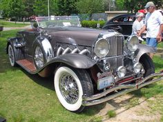 If you can resist a 1933 Duesenberg, you're a less emotional man than I am. This is a vehicle that  makes your heart soar. Where's your soul, brother? And sister?