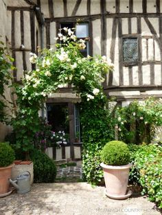 My French Country Home, French Living - Page 29 of 304 - Sharon SANTONI