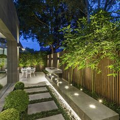 43 Creative Side Yard Garden Design Ideas For Summer – Backyard inspiration – - amazing garden ideas Backyard Garden Design, Modern Backyard, Modern Garden Design, Backyard Patio, Landscape Design, House Garden Design, Modern Design, Landscape Steps, Backyard Trees