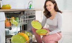 Senelerce bizi kandırmışlar. Boşu boşuna deterjan ile zehirlenmişir. Evdeki deterjanları atın...İşte Ev yapımı doğal bulaşık deterjanı tarifleri.
