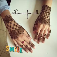 Wish she wasnt wearing the rings but the mendi is nice. Henna #mehendi