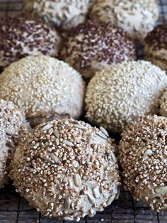 #eltefritt #noknead #rundstykker #homemaderolls # homemadebread #baking #hjemmebakt #brød #breadrolls #bread Cookies, Chocolate, Dinner, Desserts, Baking, Crack Crackers, Dining, Tailgate Desserts, Deserts