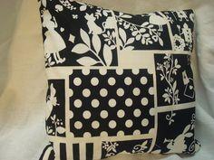 Alice in Wonderland pillow ♥