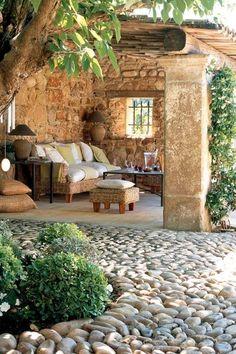 Reciclar, Reutilizar y Reducir : Encantadoras terrazas Outdoor Rooms, Outdoor Living, Outdoor Decor, Backyard Patio, Backyard Landscaping, Backyard Shade, Mediterranean Decor, Rustic Gardens, Stone Houses