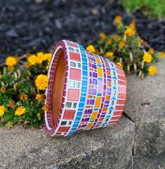 Mosaic Planters, Mosaic Flower Pots, Mosaic Garden, Mosaic Artwork, Mosaic Glass, Garden Pots, Mobiles, Art Ideas, Create Yourself