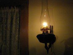 wall lamp lights the corners