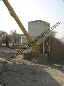 Atlas make portable concrete mixers come with a standard cement hopper of capacity 30 bags. The cement hopper comes with a WAM make screw conveyor for cement feeding into the cement weighing hopper.