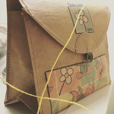 Pochette per bimbe in cartone