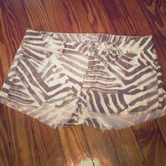 ☀️ EXPRESS ☀️ LIKE NEW! adorable shorts! RE POSHING! will trade for size 0. these are size 2 and too big :( firm on price but WILL TRADE FOR 0s from express Express Shorts