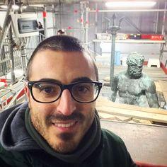 #Selfie col #Gigante!  #Artefiera #Bologna #Nettuno #ArtCity #PiazzaNettuno #artefierabologna #piazzamaggiore #igersbologna #ig_bologna #turismoer #loves_emiliaromagna #bolognafc #like4like #follow4follow #bestagram