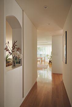 온기 있는 집 : 햇빛이 예쁜 집 : 이미지 크게보기 Scandinavian Home, Home Fashion, Sweet Home, Flooring, Living Room, Interior Design, Architecture, House Styles, Furniture