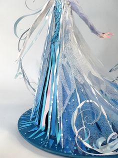 Brittney Lee: Lovely at Wonderground Gallery: Part 2 3d Paper Art, Paper Artwork, Paper Artist, Paper Crafts, Princesa Disney Frozen, Brittney Lee, Elsa, Paper Puppets, Frozen Heart