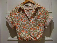 Womens floral blouse / shirt / top / Vintage short sleeved shirt / hipster shirt / 1 chest pocket