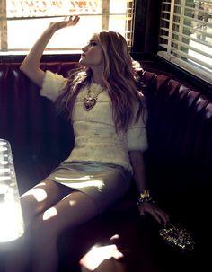 Model Rosie Huntington-Whiteley, photographer Henrique Gendre for Vogue, Brasil, April 2013