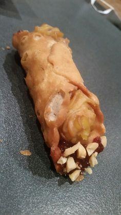 Vegan peanutbutter & jam canoli - Nagev, Payneham Peanut Butter, Bread, Vegan, Food, Brot, Essen, Baking, Meals, Breads