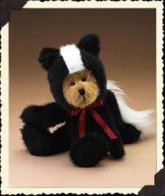 Boyds-Bears-Masters-of-Disguise-Series-Buster-B-Stinky-Teddy-Bear-in-Skunk-Suit