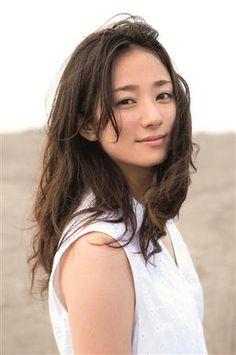 今話題の女優である 木村文乃さん。  前回公開したこちらの記事が大変好評だったので  ・
