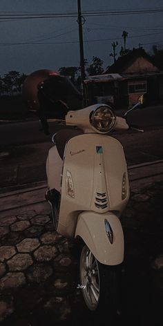 Aesthetic Japan, Aesthetic Anime, Framed Wallpaper, Vespa, Aesthetic Wallpapers, Dream Cars, Bike, Vehicles, Scooters