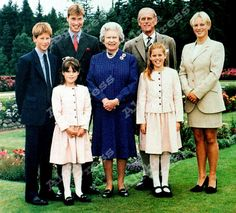 yoursweetremedy: The Royal Family in Balmoral Harry, Prince William… Princess Elizabeth, Princess Eugenie, Princess Margaret, Queen Elizabeth Ii, Princess Beatrice, Princess Diana, English Royal Family, British Royal Families, British Family