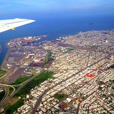 Vista aérea del #PuertoDeVeracruz, una ciudad llena de opciones para disfrutar intensamente de unos días de vacaciones.