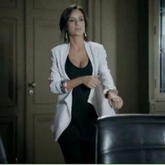 Saiba de onde É: O Blazer Branco que Maria Clara, Andreia Horta, usa na novela Império