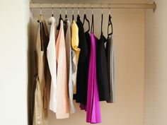 How to Create A Month's Worth of Outfits {Using Just 10 Items}
