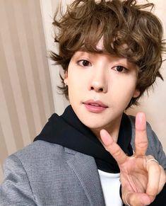 WINNER / Kang Seung Yoon / Song Minho / Mino / Kim Jinwoo / Lee Seung Hoon / W4 Winner Kpop, Winner Jinwoo, Song Minho, Kim Jin, Beautiful Person, Korean Beauty, Curly Hair Styles, Songs, Korean Actors