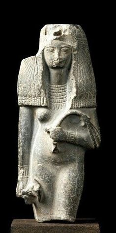 Statuette of Queen Tiye, wife of the pharaoh Amenhotep III, New Kingdom, Dynasty 18 (1390- 1352 BC).
