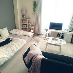 small room 3333 mikansanさんの、賃貸,1K,SONY,Bluetoothスピーカー,白黒グレー,Francfranc,アクセントクロス,一人暮らし,いなざうるす屋,いなざうるす屋さん,無印良品,無印,モノトーン,部屋全体,のお部屋写真
