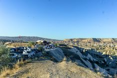 Crowded parking lot of Sunset Point in Goreme, Cappadocia. One of the best spots for amazing views any time of the day. Great Places, Places To See, Famous Fairies, Sunset Point, Visit Turkey, Before Sunrise, Cappadocia, Parking Lot, Nature Reserve