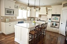 White Kitchen Transformation (16 Pictures)