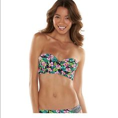 LOW PRICE!! Halter/Strapless Bikini Top Floral print Bikini Top. Size Medium Kohls Swim Bikinis