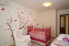 quarto-de-bebê-menina-vermelho