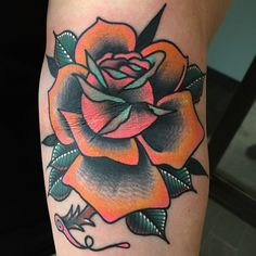 Funky traditional rose made by @lingerfeldtx