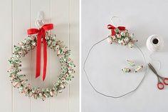 Tara Dennis - Christmas Craft - Make a lolly wreath