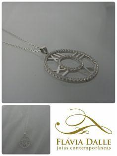 Colar Atlas em prata 925 com banho de rhodium cravado com zircônias.
