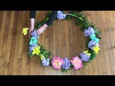 çemberi çiçeklerle süsleyip duvara asalım - YouTube Floral Wreath, Wreaths, Reggio, Jewelry, Youtube, Decor, Activities, Jewlery, Decoration