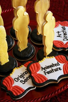 Oscar party cookies...let's be honest, I'd never make these. But, they are cool!