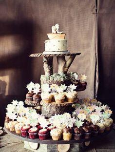 Виды сладостей, Капкейк, Свадьбы в коричневых тонах, Свадьбы в бежевом цвете, Таблички на свадьбу, Элементы декора, Декор для оформления, Пеньки, Свадьбы в белом цвете, Тип торта, Мини торт, Декоративные фигурки, Свадебные угощения и сладости, Рустик свадьбы (рустикальные), Свадебные капкейки и пирожные, Свадебные торты