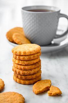 Kruche ciasteczka marchewkowe (5 składników) - Wilkuchnia Healthy Sweets, Toddler Meals, Cupcake Cookies, Cookie Decorating, Sweet Tooth, Good Food, Food And Drink, Cooking Recipes, Tasty