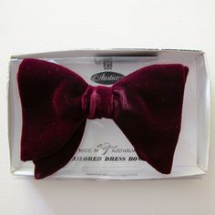 Vintage 1970s Clip-On Bowtie in Burgundy Velvet by Austico, with Original Box