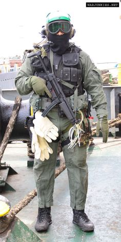USN SEAL Team 6 ST6 US Flag 3D Trident DevGru Matte Gold Cuff Links