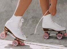 See more of brynthomas's VSCO. Retro Roller Skates, Roller Skate Shoes, Roller Skating, Aesthetic Images, Retro Aesthetic, Girls Skate, Skate Style Girl, Skater Girls, High Top Sneakers