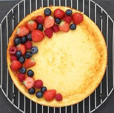 Thank god it's #friday and thank god it's #summer so you can have this #light #cheesecake topped with all those #yummy #fresh #berries  The #recipe is on the blog (#linkinbio). Happy #weekend | #tgif #foodie #foodaddict #foodlover #healthy #highprotein #lowcarb #healthyfood #coffee #strawberries #blueberries #raspberries #quark #käsekuchen #hochdiehändewochenende #foodporn #foodblog #foodblogger #fitfood