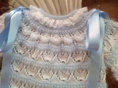 En lana, perlé y angora para bebé: Tutorial chaquetita bebé. Angora azul y perlé blanco Más Baby Knitting Patterns, Knitting For Kids, Lace Knitting, Crochet Patterns, Crochet Baby, Knit Crochet, Knit Baby Sweaters, Lace Heart, Heirloom Sewing